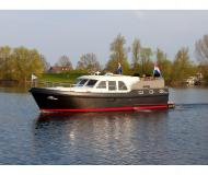 Motor yacht Grand Sturdy 29.9 Sedan available for charter in De Spaenjerd Marina