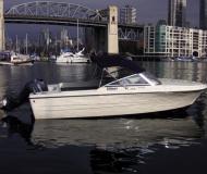 Hourston Glasscraft 17 Motorboot Charter Kanada