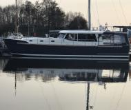 Motoryacht Luna 44 Yachtcharter in Citymarina Stralsund
