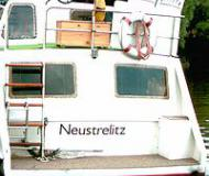 Motoryacht with 2 cabins for rent in Port Neustrelitz
