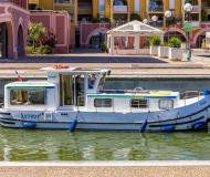 Houseboat Penichette 935 available for charter in Dompierre sur Besbre