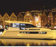 Motor yacht Platinum 989 available for charter in Wilkasy Marina