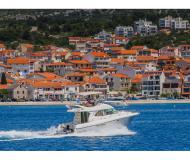 Motorboot Prestige 36 Fly chartern in Marina Kremik