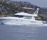 Motorboot Prestige 46 chartern in Primosten