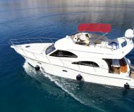 Motor boat Rodman 41 available for charter in Krk