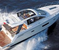 Motor boat Sealine SC42 available for charter in Portals Nous