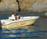 Motor boat Shark 19 for hire in New Port of Lazise