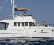 Motor yacht Swift Trawler 34 for rent in Marina Mandalina
