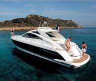 Motor yacht Targa 47 for hire in Vilamoura