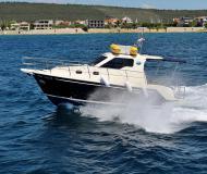 Motor yacht Vektor 950 for rent in Marina Dalmacija