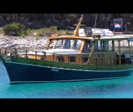 Motor boat Wooden Yacht for rent in Zadar