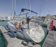 Yacht Bavaria 30 for charter in Marina di San Vincenzo