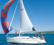 Sailing boat Bavaria 32 for rent in Marina Pirovac