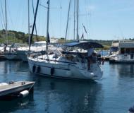 Sailing yacht Bavaria 32 Cruiser for rent in Marina Kremik
