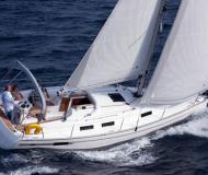 Bavaria 32 Cruiser Sailboat for rent Olbia