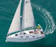 Segelyacht Bavaria 32 Cruiser Yachtcharter in Marina Sangulin