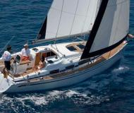 Sail boat Bavaria 33 Cruiser available for charter in Lemmer