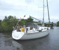Sail boat Bavaria 35 Cruiser available for charter in Lemmer