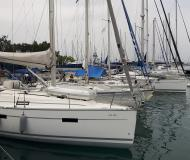 Sailing yacht Bavaria 36 Cruiser for hire in Lefkas