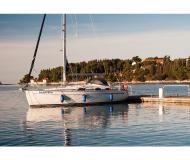 Yacht Bavaria 37 Cruiser chartern in Marina Sangulin