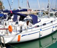 Yacht Bavaria 37 Cruiser for hire in Marina Izola