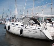 Yacht Bavaria 38 Holiday chartern in Lemmer