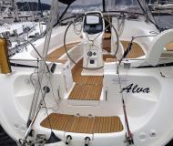 Sail boat Bavaria 39 Cruiser available for charter in Morningside Marina
