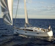 Yacht Bavaria 41 Cruiser for hire in Marina Lanzarote
