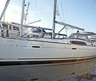 Segelboot Beneteau 43 Yachtcharter in Granville Insel Boatyard