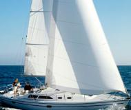 Sailing boat Catalina 36 for charter in Nanaimo Harbour