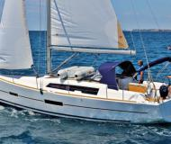 Yacht Dufour 382 Grand Large for rent in Castellammare di Stabia
