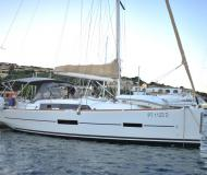 Sailing boat Dufour 382 Grand Large for rent in Portisco