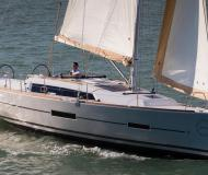 Sailing yacht Dufour 382 Grand Large for rent in Marina di Portisco