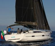 Segelyacht Dufour 412 Grand Large chartern in Marina Salerno