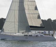 Sailing yacht Dufour 425 Grand Large for rent in Granville Island Boatyard