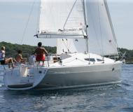 Yacht Elan 344 Impression Yachtcharter in Marina Kastela