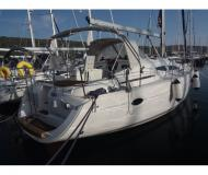 Yacht Elan 384 Impression chartern in Marina Punat
