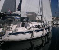 Yacht Elan 40 chartern in Marina Ramova