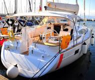 Segelyacht Elan 444 Impression chartern in Marina Izola