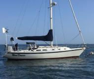 Yacht Ericson 38 available for charter in Brewer Cove Haven Marina