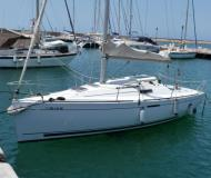 Sailing boat First 25.7 for rent in Port des Minimes
