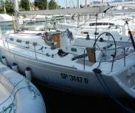 Yacht First 40.7 Yachtcharter in Furnari