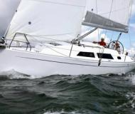 Yacht Hanse 325 for rent in Rostock