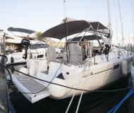 Sailing yacht Hanse 385 for hire in Tivat Marina