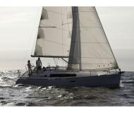 Oceanis 34 Sailboat for rent San Vincenzo