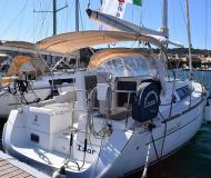 Sailing yacht Oceanis 34 available for charter in Alghero