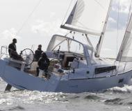 Sailing yacht Oceanis 38 for rent in Cannigione Marina