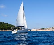 Sailing boat Oceanis 40 for hire in Dubrovnik
