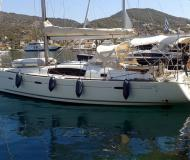 Sailing yacht Oceanis 40 for rent in Athens