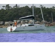 Sailing yacht Oceanis 40 for rent in Turgutreis